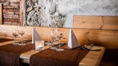 Steakhaus Zum Postinger - gedeckter Tisch