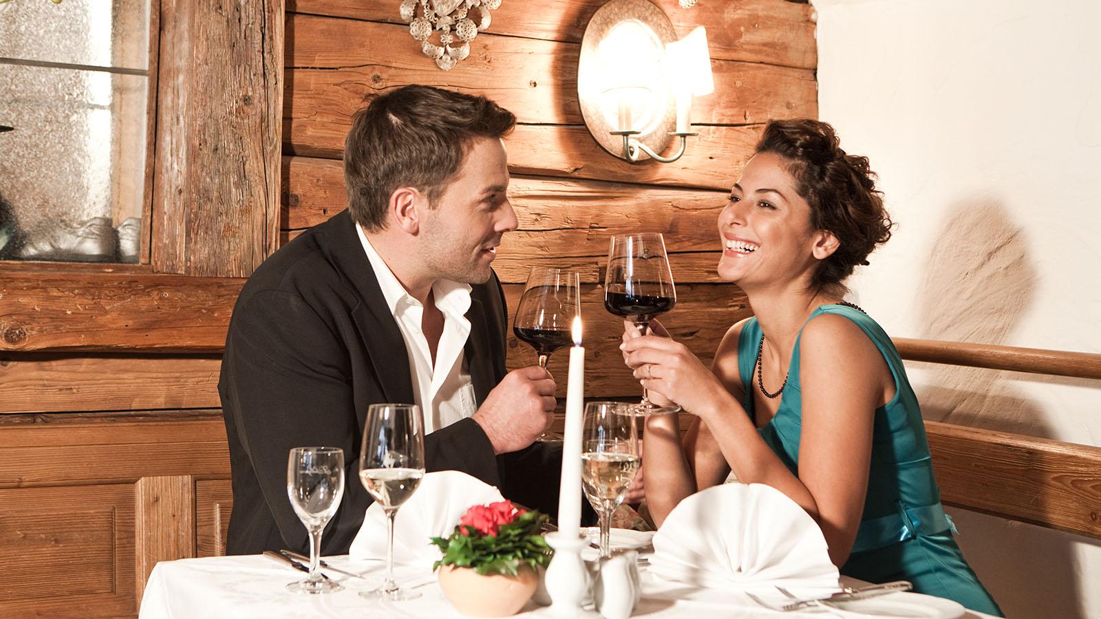 Sporthotel Reisch Kitzbühel - Paar gemütlicher Abend