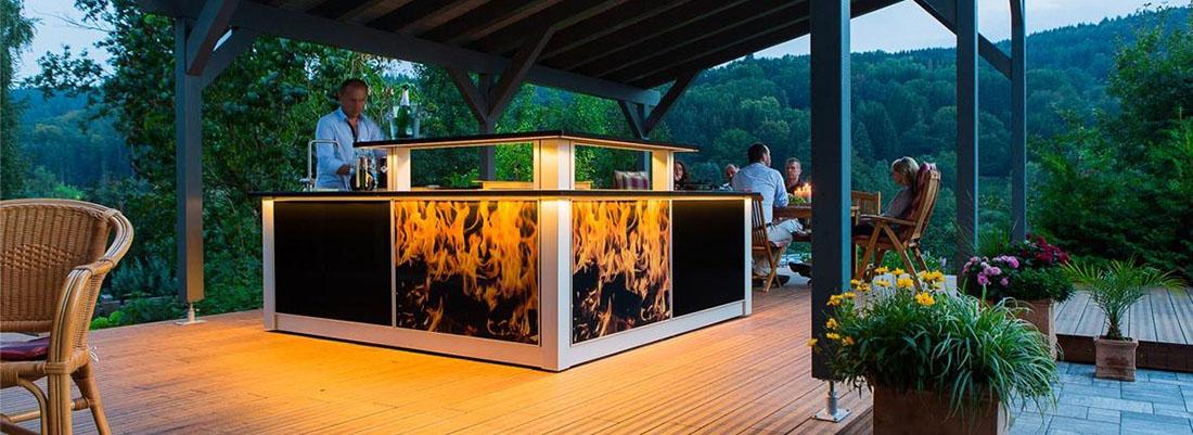 Die MK2 Gartenküche mit schöner LED-Beleuchtung