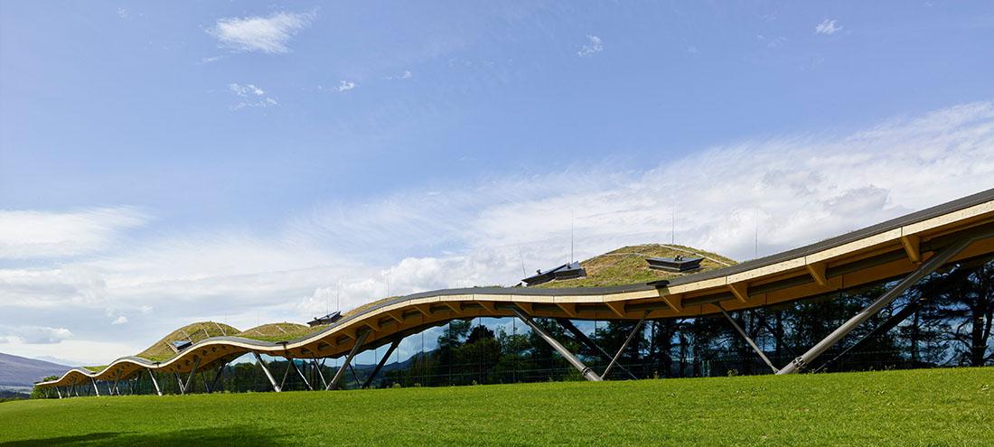 Multi-Award-Winner: Der Holz-Neubau der schottischen Destillerie Macallan. Fotos: © Mark Power, MAGNUM PHOTOS
