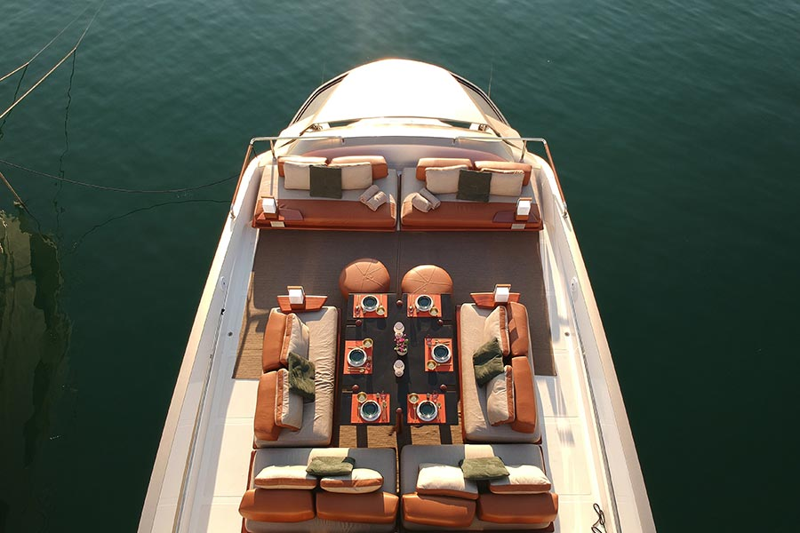 Luxus Yacht Hotel Goldfinger - Floating Boutique