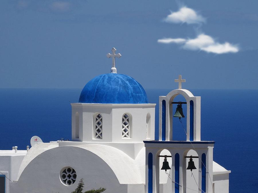 In Santorin kann man die Trendfarbe Blau hautnah erleben.