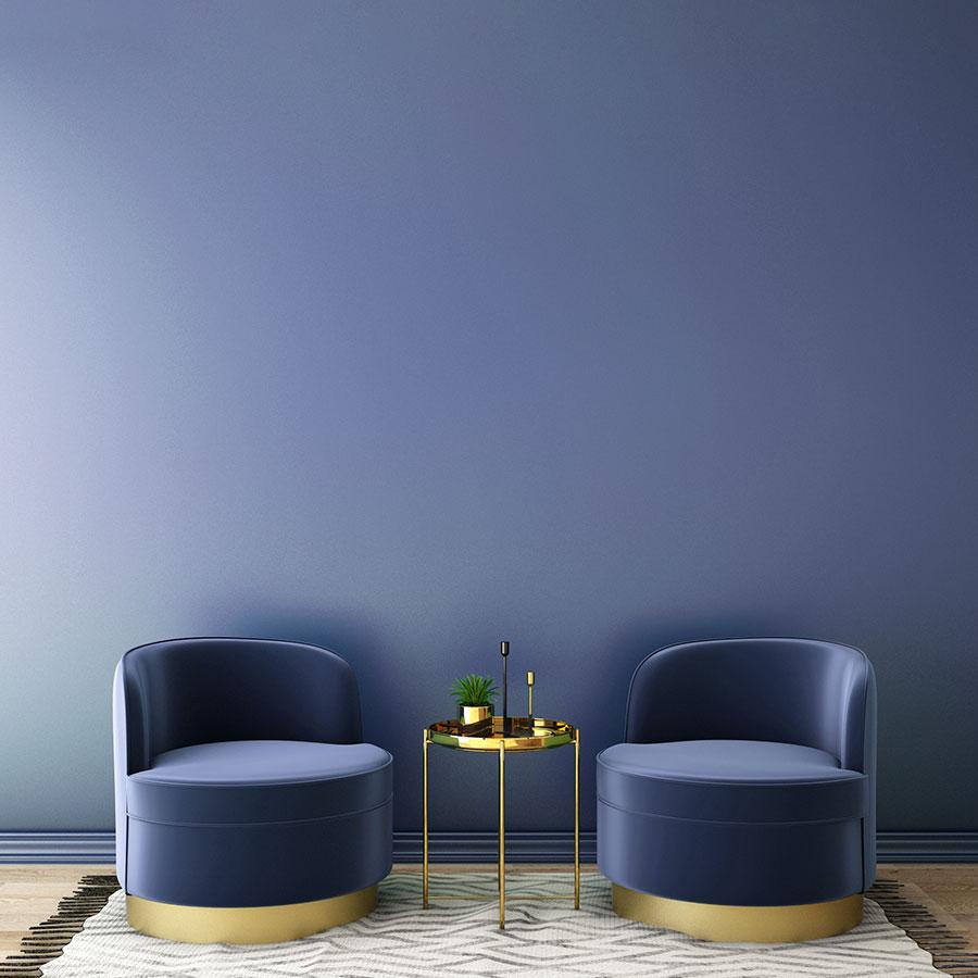 Edel: Die Trendfarbe 2020 ist blau. Hier ein stylisches Interior Ton in Ton.