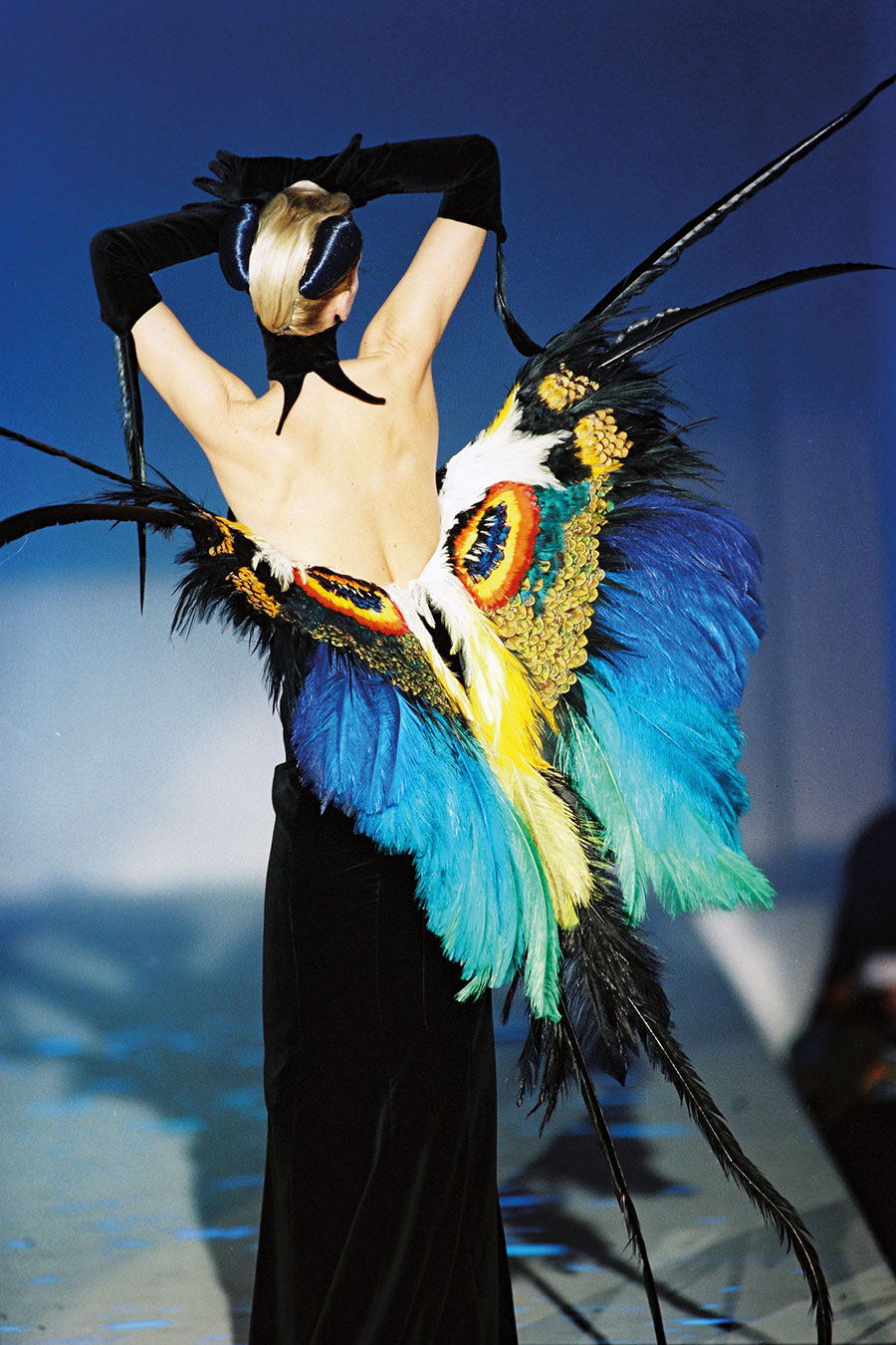 Patrice Stable Outfit: Thierry Mugler, Kollektion Les Insectes, Haute Couture Frühjahr/Sommer 1997
