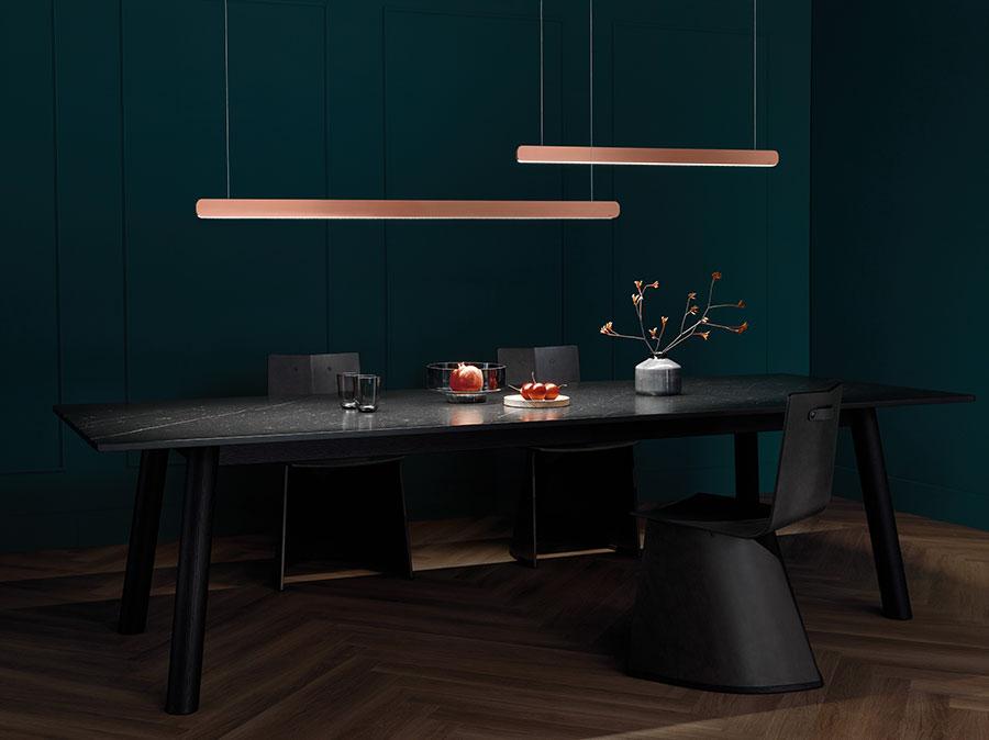 Mito volo rose gold von Occhio ist die ideale Beleuchtung für den Esstisch